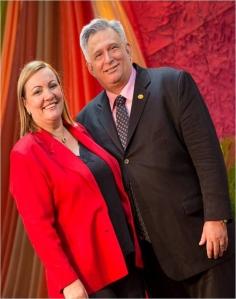 Otra pareja de invitados son los Pastores Letty y Gustavo González de Maracaibo, Venezuela.