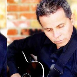 El salmista colombiano Pedro Neira se presenta el viernes 21 en horas de la noche.