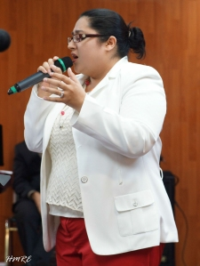 """Eslinda Fernández obsequió a los asistentes la canción: """"Amar de Tal manera""""."""