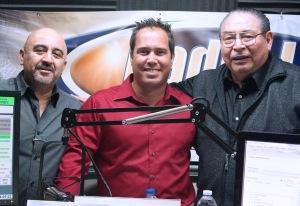 Alvaro Figueroa, Aldo Villegas y el autor de esta columna poco después del reportaje en Radio Luz 1360AM-Miami.
