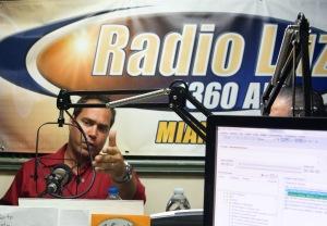 """Aldo Villegas fue invitado al programa """"La Voz de Semillas de Fe""""."""
