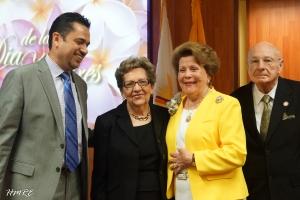 Apóstol Lidia Rodríguez acompañada (Izq. a Der.) Mendelson Barrera, Loló Fernández y Alcibiades Molina.