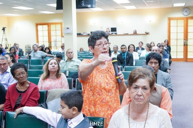 """""""Gracias a Dios ya no tengo que tomar medicinas para la diabetes"""", dijo una de las hermanas a las que Dios concedió sanidad."""