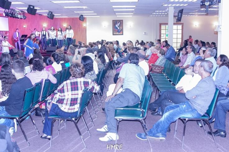 Numeroso público asistió al Concierto de Verano. Al final la mayoría dijo que les agrado mucho el evento.