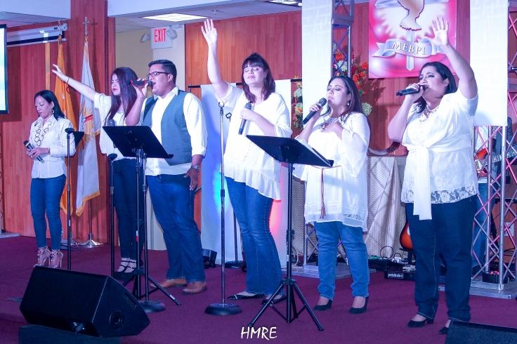 Como siempre el Coro de MEBPI brindó una buena actuación. La media docena de vocalistas ya tiene vasta experiencia en el mundo de los salmistas.