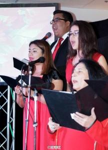 Tres damas y un caballero en plena Cantata.